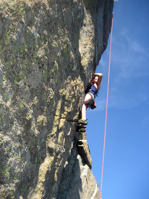 elena-climbing